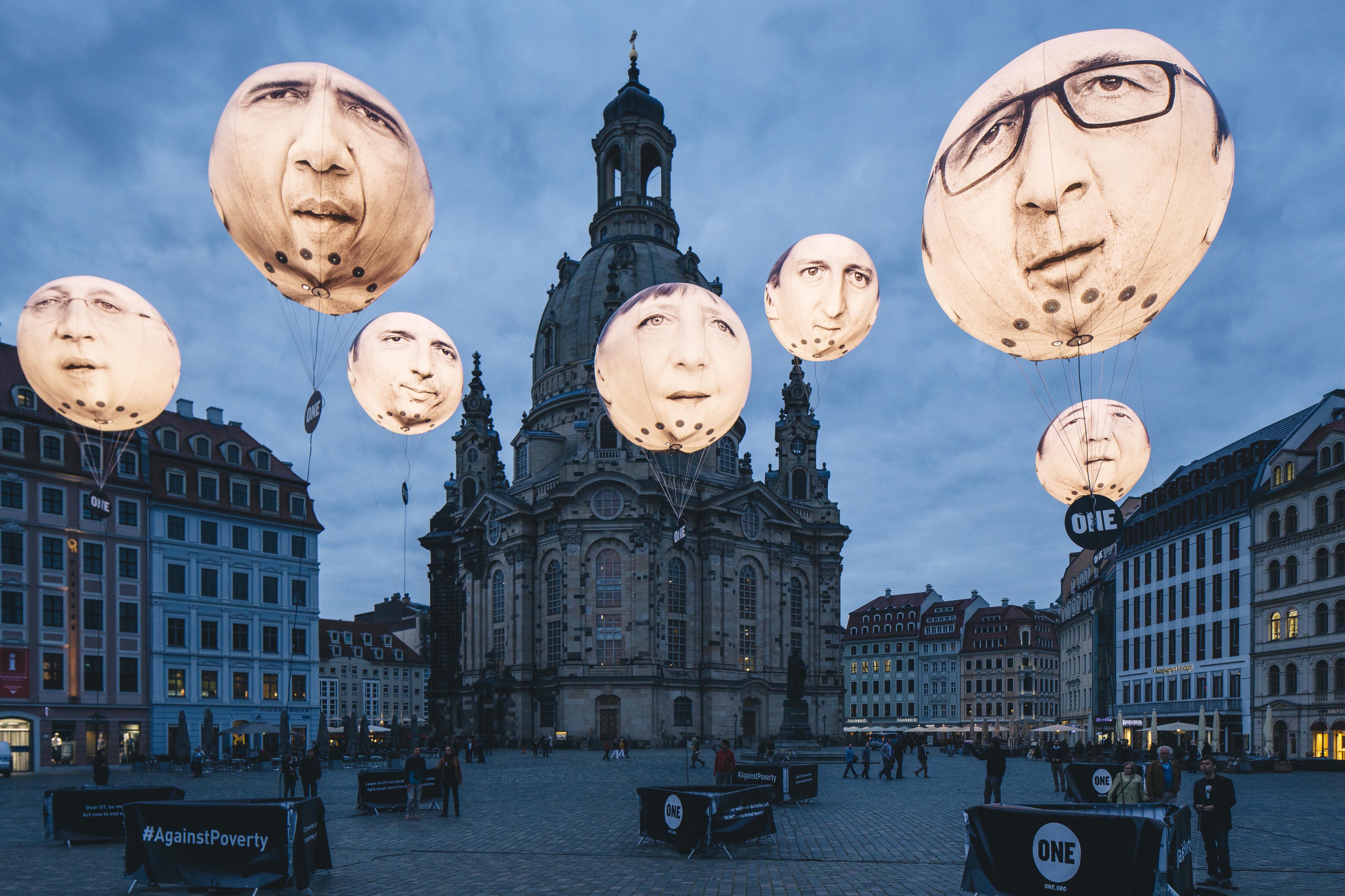 Die G7 Regierungschefs gehen in die Luft