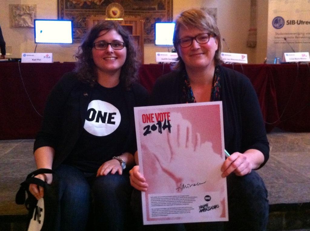Anne-Marie Mineur met Jeugdambassadeur Marloes van der Linden