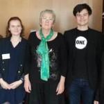Les jeunes Ambassadeurs avec Geneviève Gaillard, députée PS des Deux-Sèvres