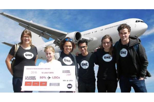 Dutch-YAs-flight-ticket-600x327