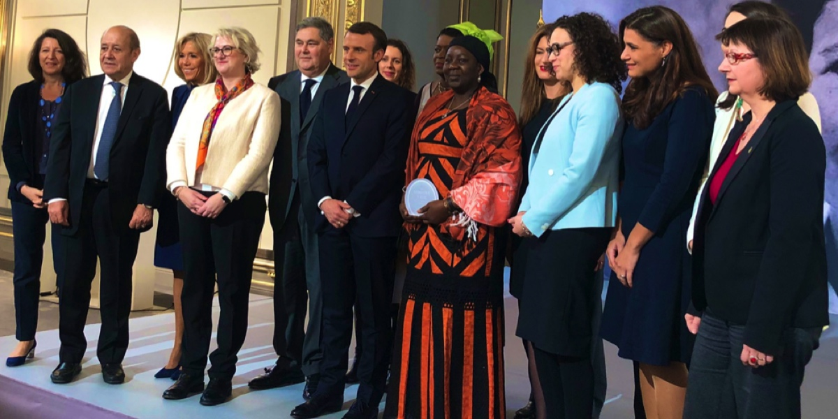Aïssa Doumara with President Macron and other members of the judging panel.