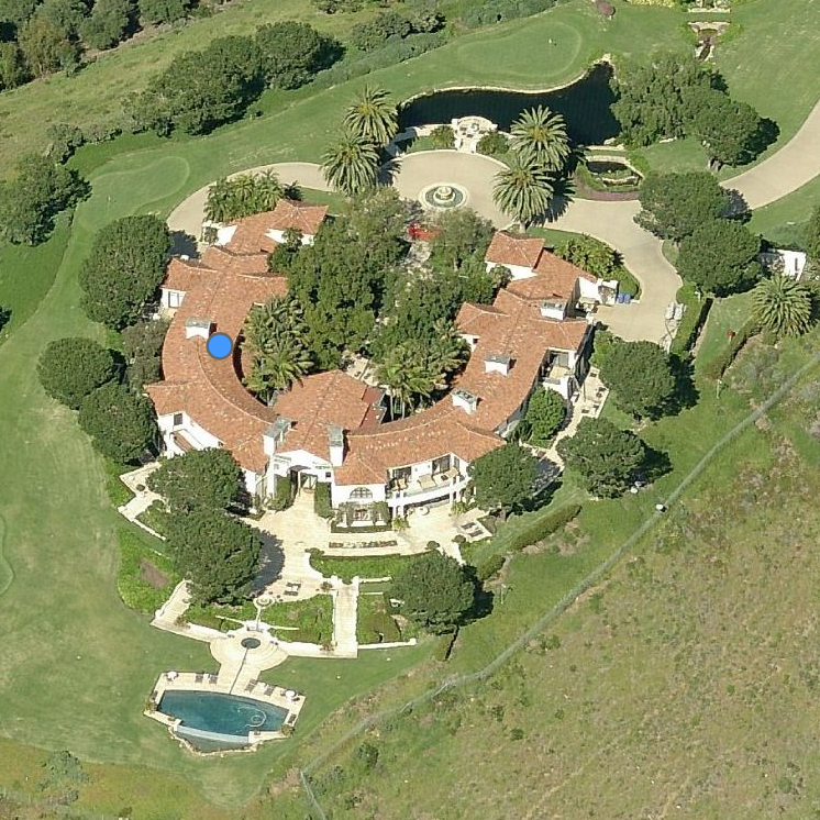 Revealed: the corrupt politicians using phantom firms to buy lavish properties