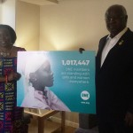 President Ernest Koroma, Sierra Leone, met de ONE Afrika Directrice Dr. Sipho Moyo. Foto: ONE