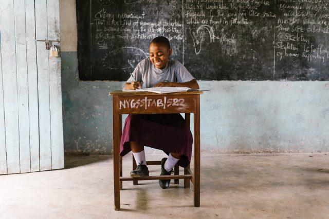 Onderwijs in noodtoestand: wie reageert het eerst?